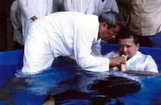 Em outubro do ano passado, evangélico batiza presidiário