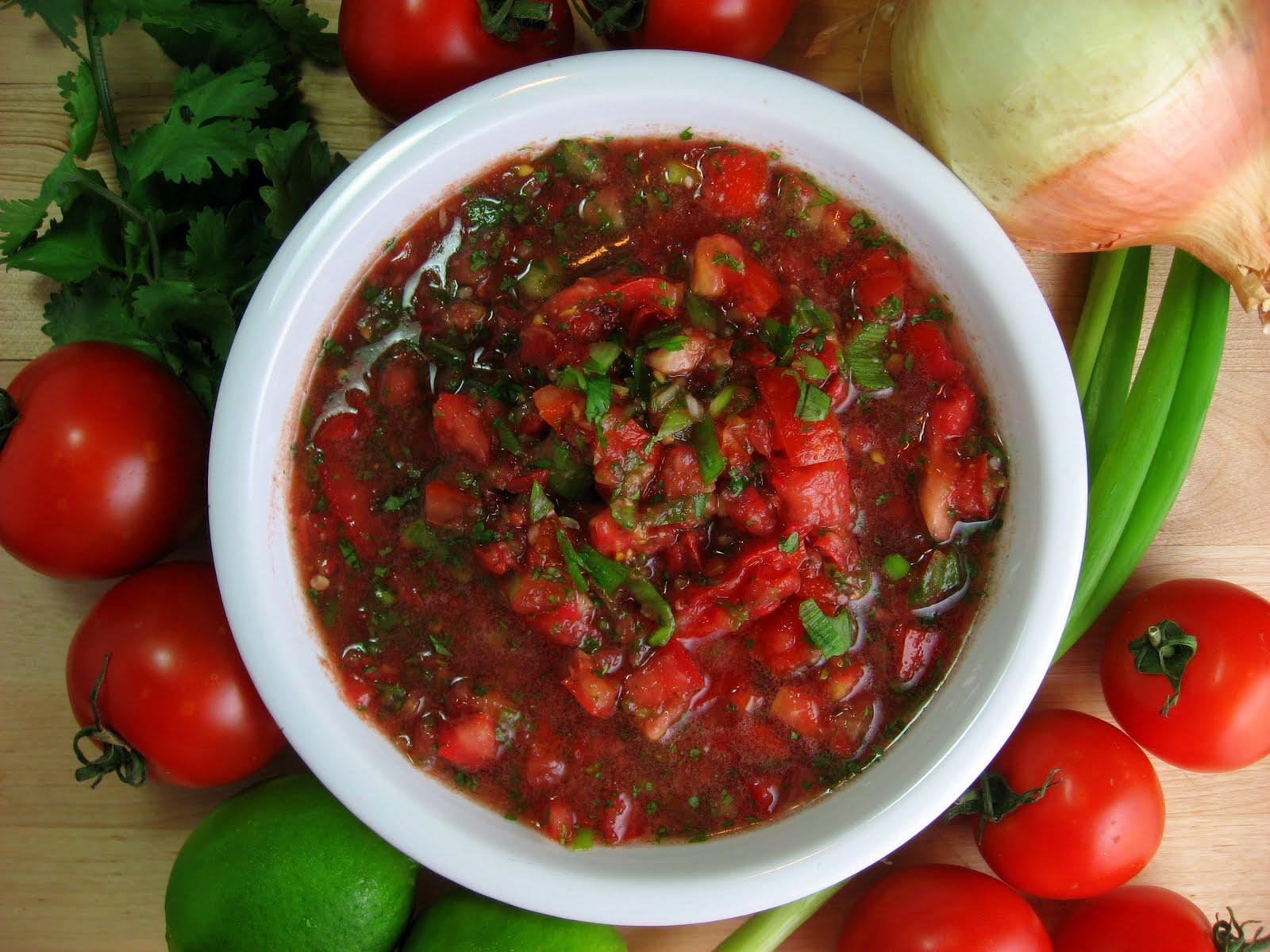 Robyn Cooks: Chunky Fresh Tomato Salsa