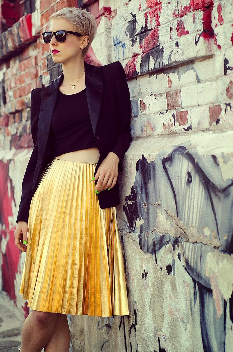 metallic gold pleated skirt h&m trend beeswonderland