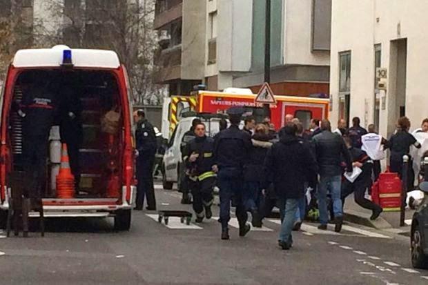 Pejabat Akhbar Hina Nabi Muhammad Diserang