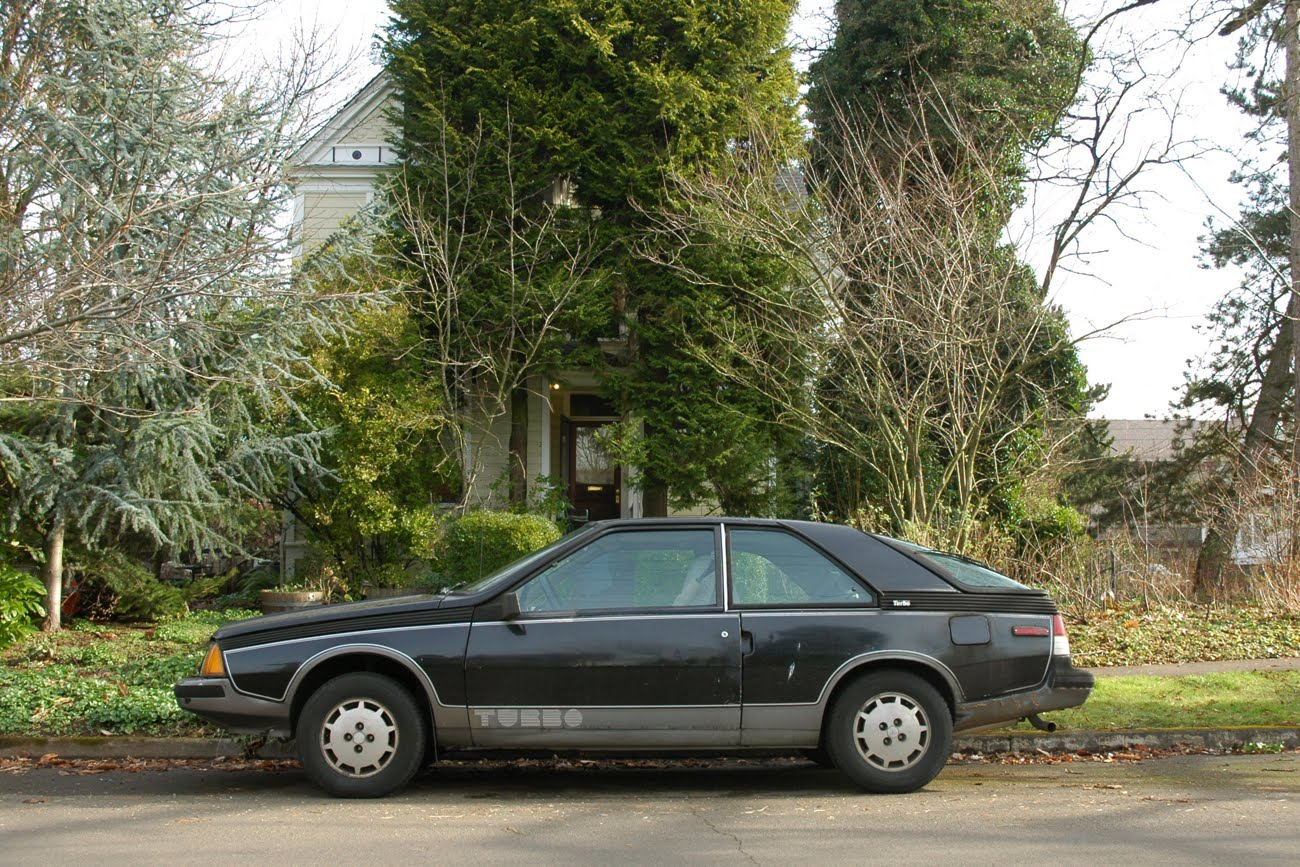 OLD PARKED CARS.: Sunday Bonus: 1983 Renault Fuego Turbo, Revisited.