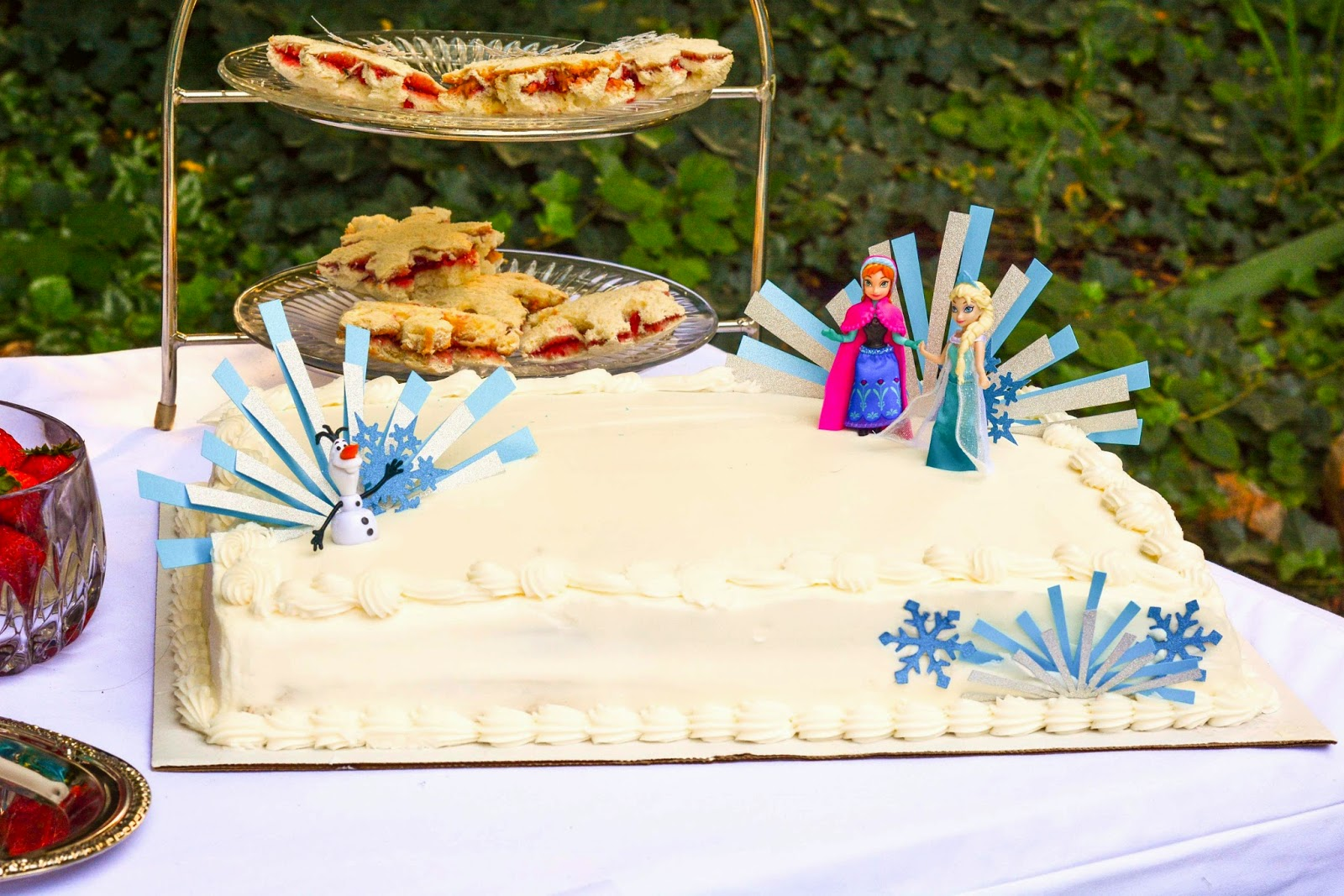 Art Deco Sheet Cake : Aesthetic Nest: Party: Frozen Princess Tea Party (DIY)