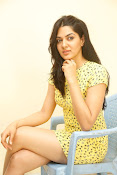 Sakshi chowdary sizzling pics-thumbnail-3