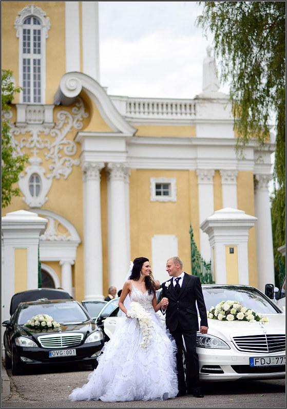vestuvinė fotosesija su automobiliais