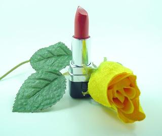 5 Produk Lipstik Yang Cocok Untuk Kulit Sensitif