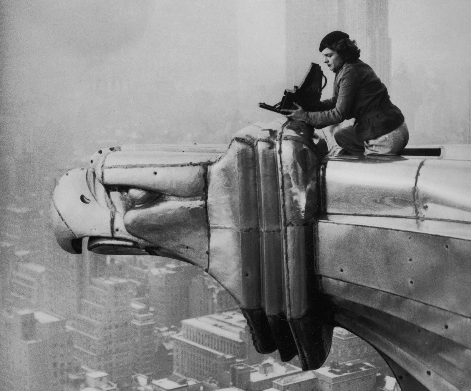 a description of margaret bourke as a famous photographer Margaret bourke-white was a pioneering figure in 20th century documentary  photography and is famous for her scenes of modern industry, of the great.