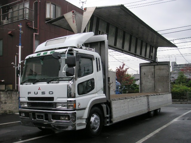 Wing-Box Truck