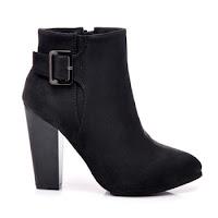 Cizme elegante, scurte, de culoare neagra ( )