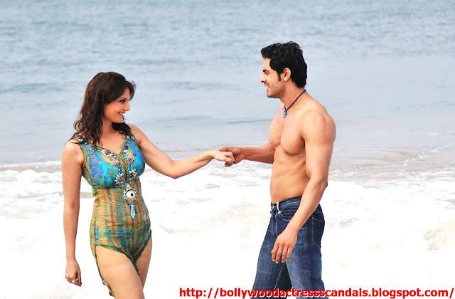 nude women sexy deepshikha hot two piece bikini with young boy