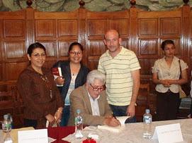 1) El libro TEATRO Y...VIDA, fue presentado en la biblioteca de Jiquilpan.