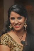 Sravya reddy sizzling saree photos-thumbnail-5
