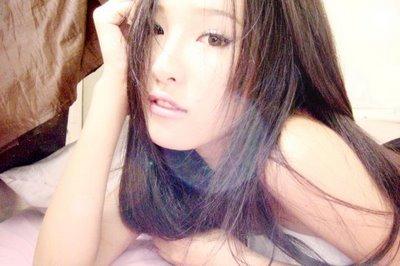 Nira Chan – Sexy Blogger