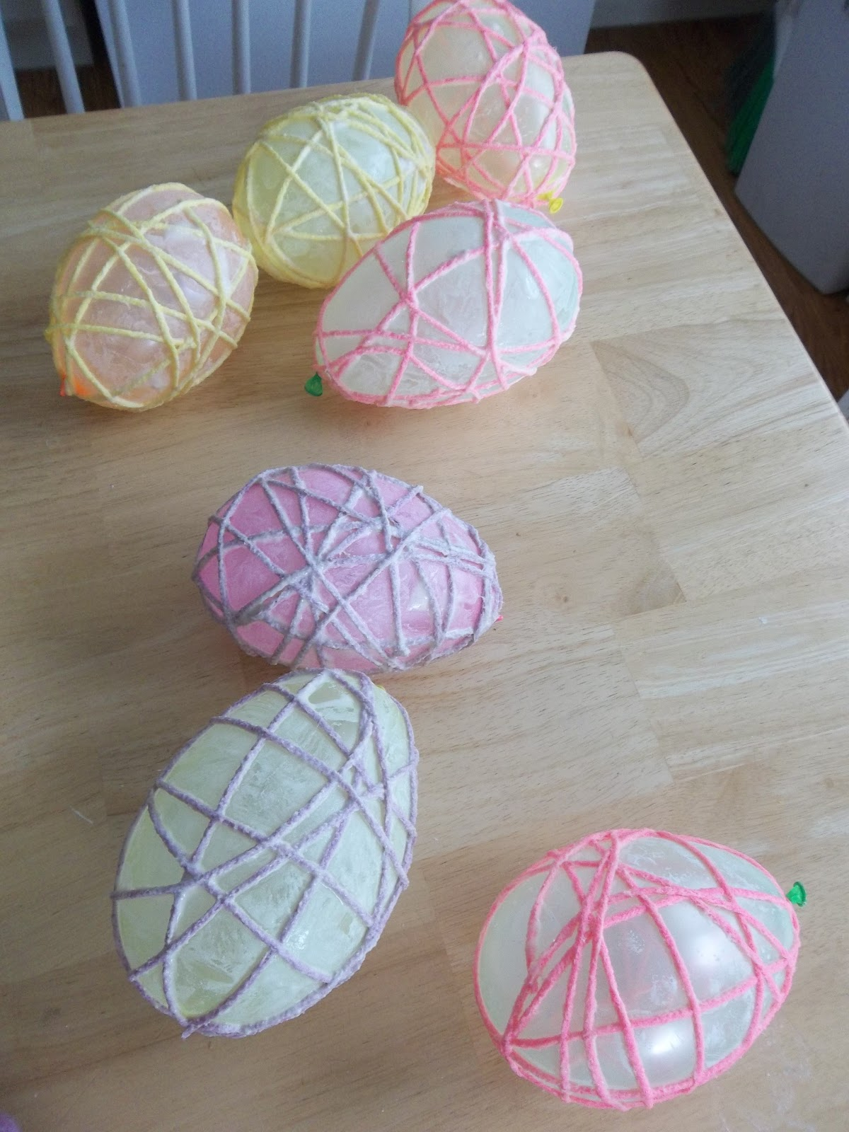 Easy yarn easter egg tutorial six sisters stuff