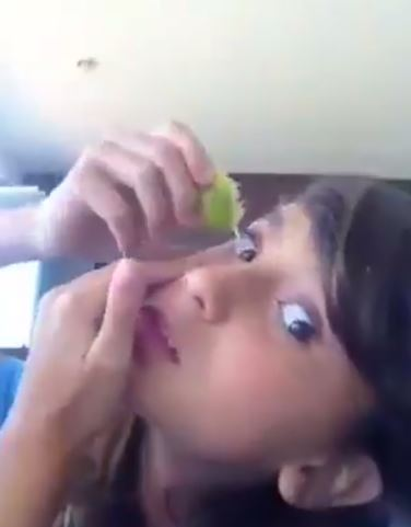 Deixa eu pingar limão no olho aqui rapidão pra ver o que rola