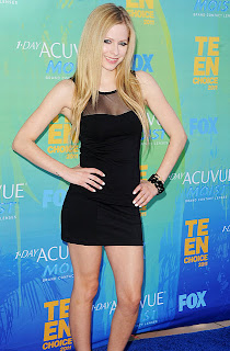 Avril Lavigne looking sexy Teen Choice Awards