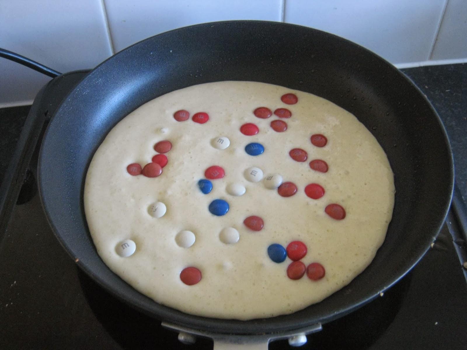 Cooking an M&Ms pancake