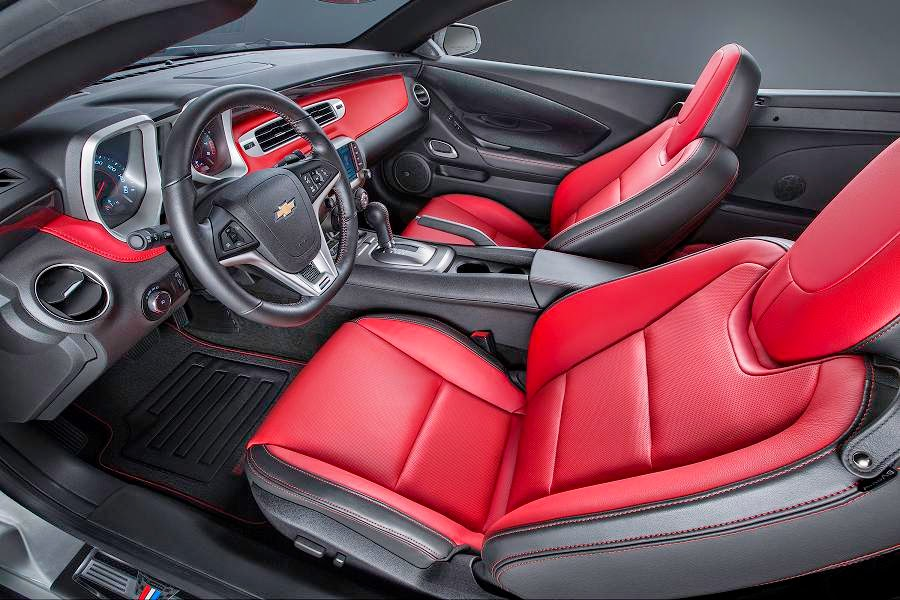 Chevrolet Camaro Convertible Commemorative Edition (2015) Interior