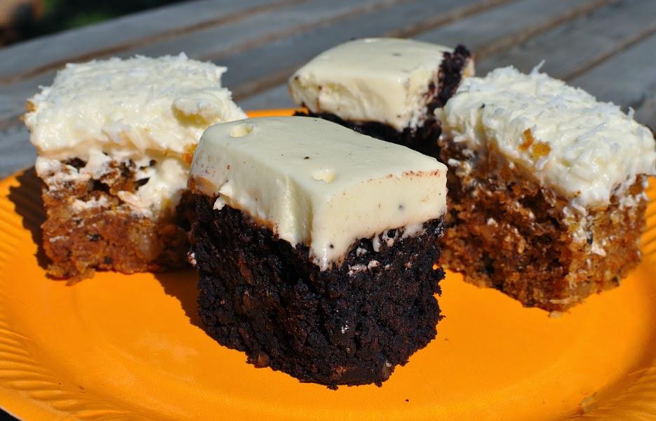 Porkkana-kookoskakku ja punajuuri-suklaakakku