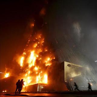 Estallan fuegos artificiales en un negocio clandestino