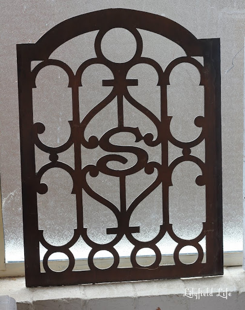 Beautiful fretwork