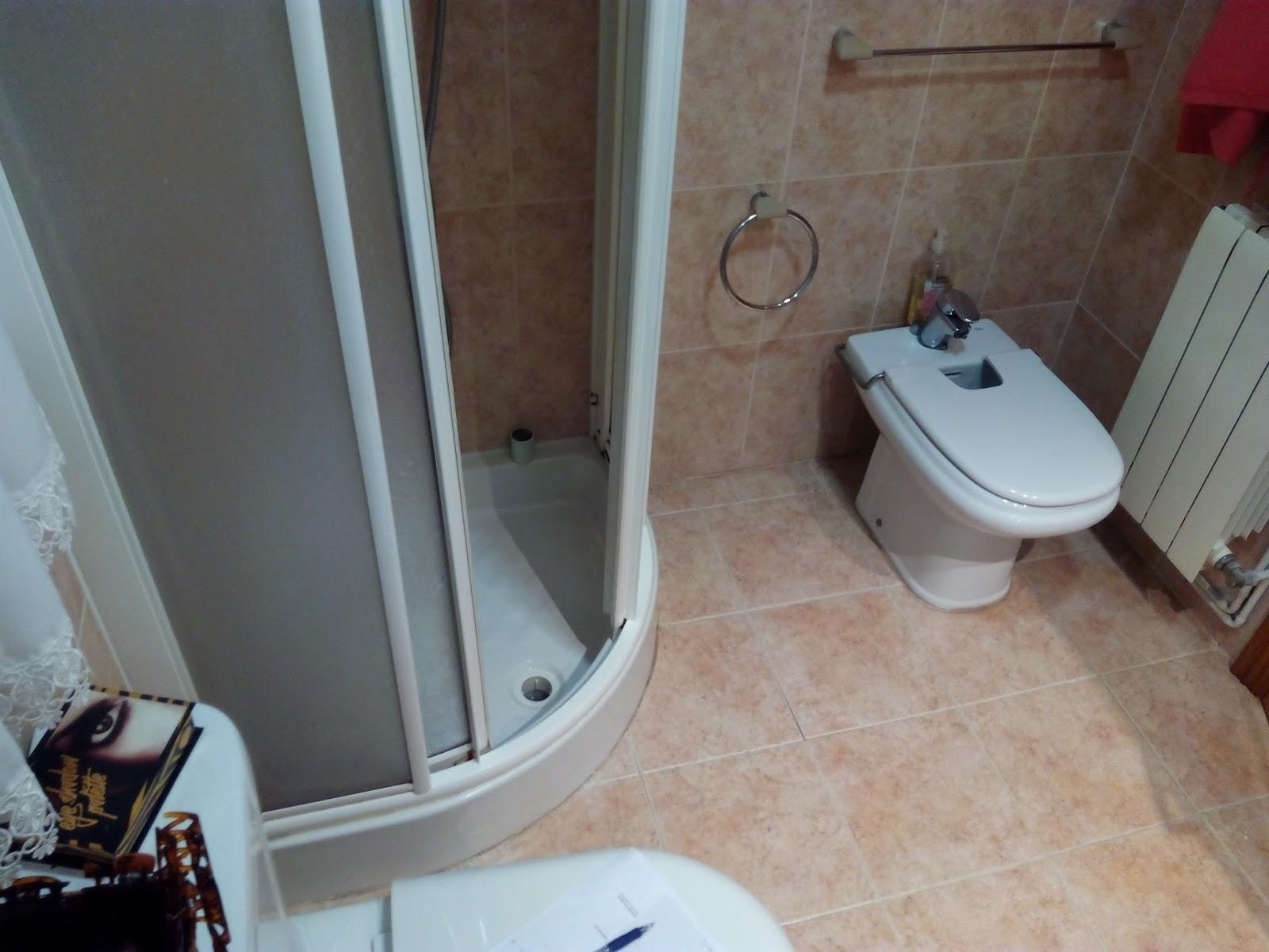 Plato de ducha en mal estado - Que plato de ducha es mejor ...