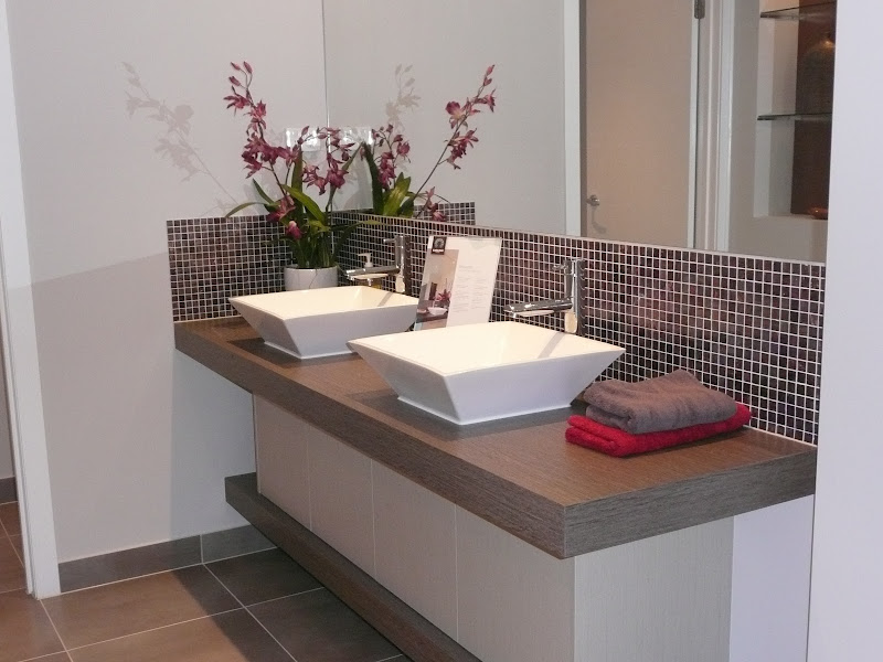 display bathrooms and ensuites we d been to gave us some good ideas title=