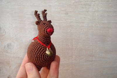 https://www.etsy.com/listing/95336559/baby-rattle-toy-christmas-reindeer-brown?ref=shop_home_feat_2