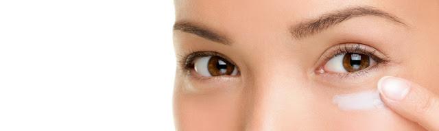 eye concealer on skin