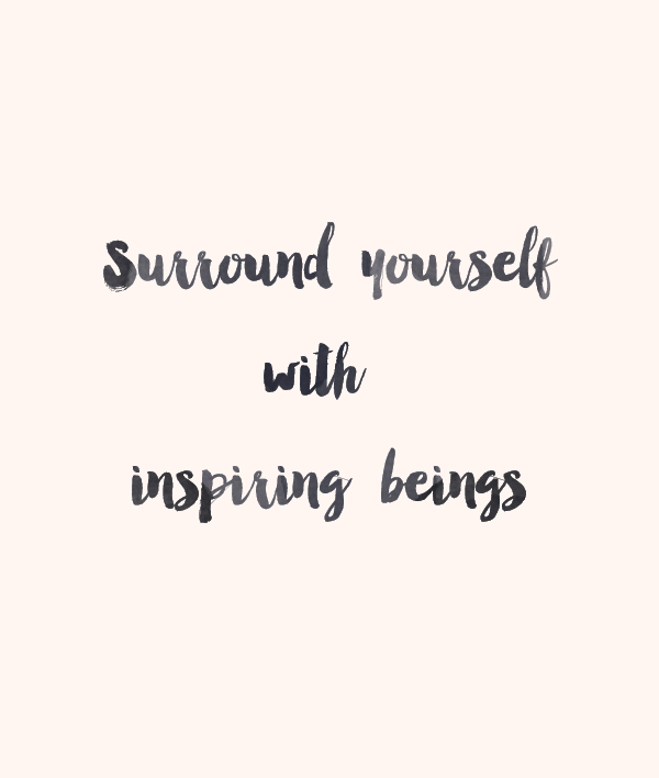 Surround Yourself with Inspiring Beings (Free iPhone Wallpaper + Link Love)
