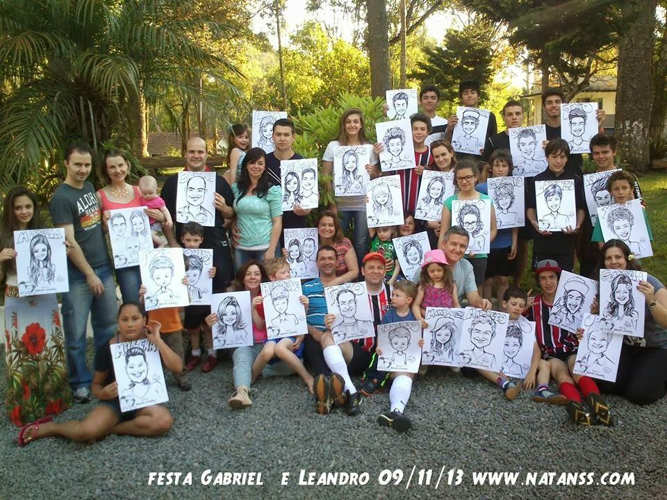 Caricaturista de Curitiba Natan SS desenha toda a familia reunida no aniversário dos irmãos Gabriel e Leandro 09/11/13