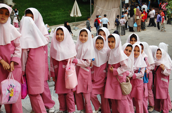 The colors of the Hijab School girls differ from college to college,  primarily based on the emblematic colors of the college, but the designs  are inevitably