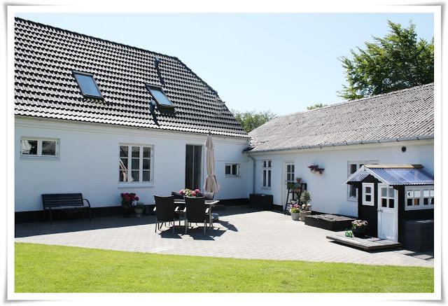 Vores lille hjem: juni 2012