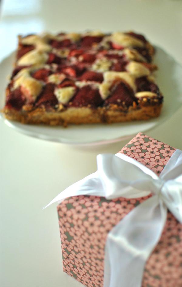birthday strawberry summercake