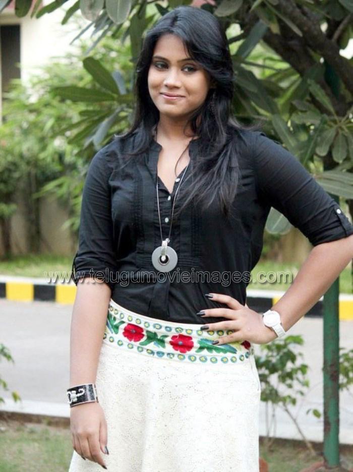 Actress Thulasi Nair at Kadal Movie Pressmeet