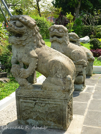 Chinese lions at Wat Arun