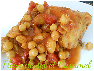 Tajine de poulet aux raisins et pois chiches