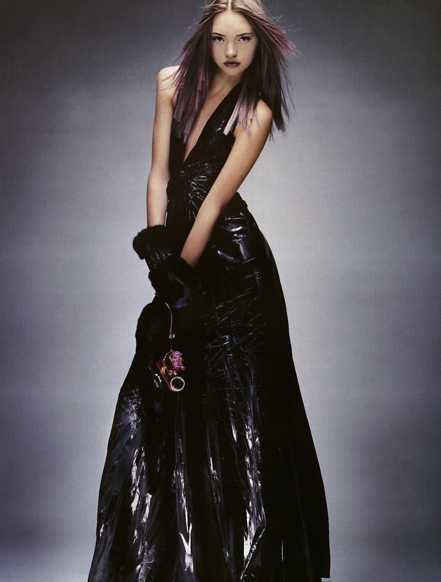 Gemma Ward wearing Alberta Ferretti in Vogue Paris August 2004