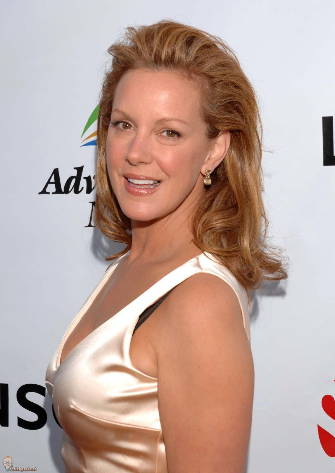 Elizabeth Perkins Photos Tv Series Posters And Cast