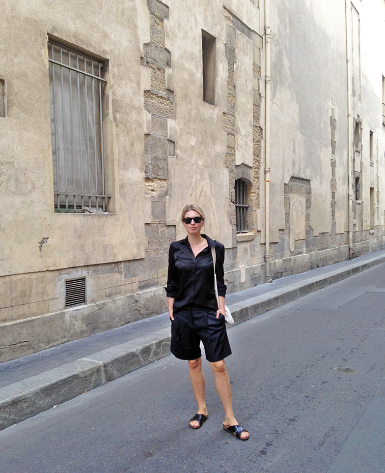 All black uniform, street style, Joseph shirt, Tibi culottes, H&M cork slip-on sandals, Fashion Over Reason in Paris