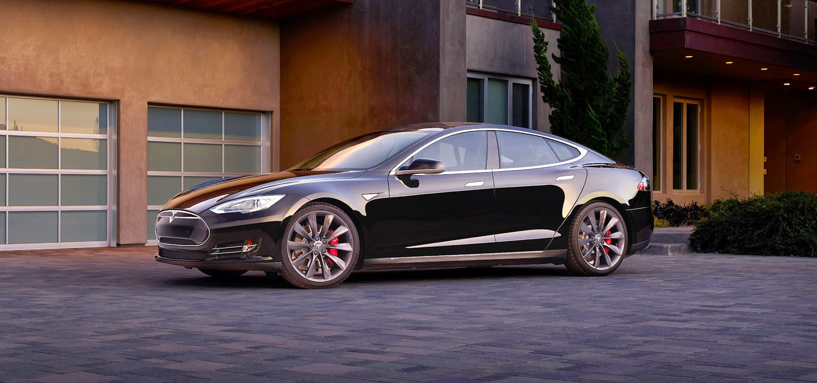 Click to visit Tesla Motors and learn more about Model S