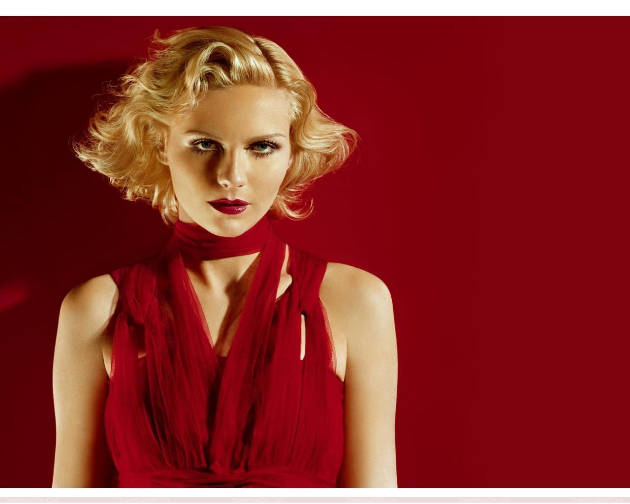 http://1.bp.blogspot.com/-eZkB7JrgSiE/TX38Hl63W-I/AAAAAAAAFf0/MJboKsAqSmg/s1600/actress_kirsten_dunst_hot_wallpaper_sweetangelonly_10.jpg