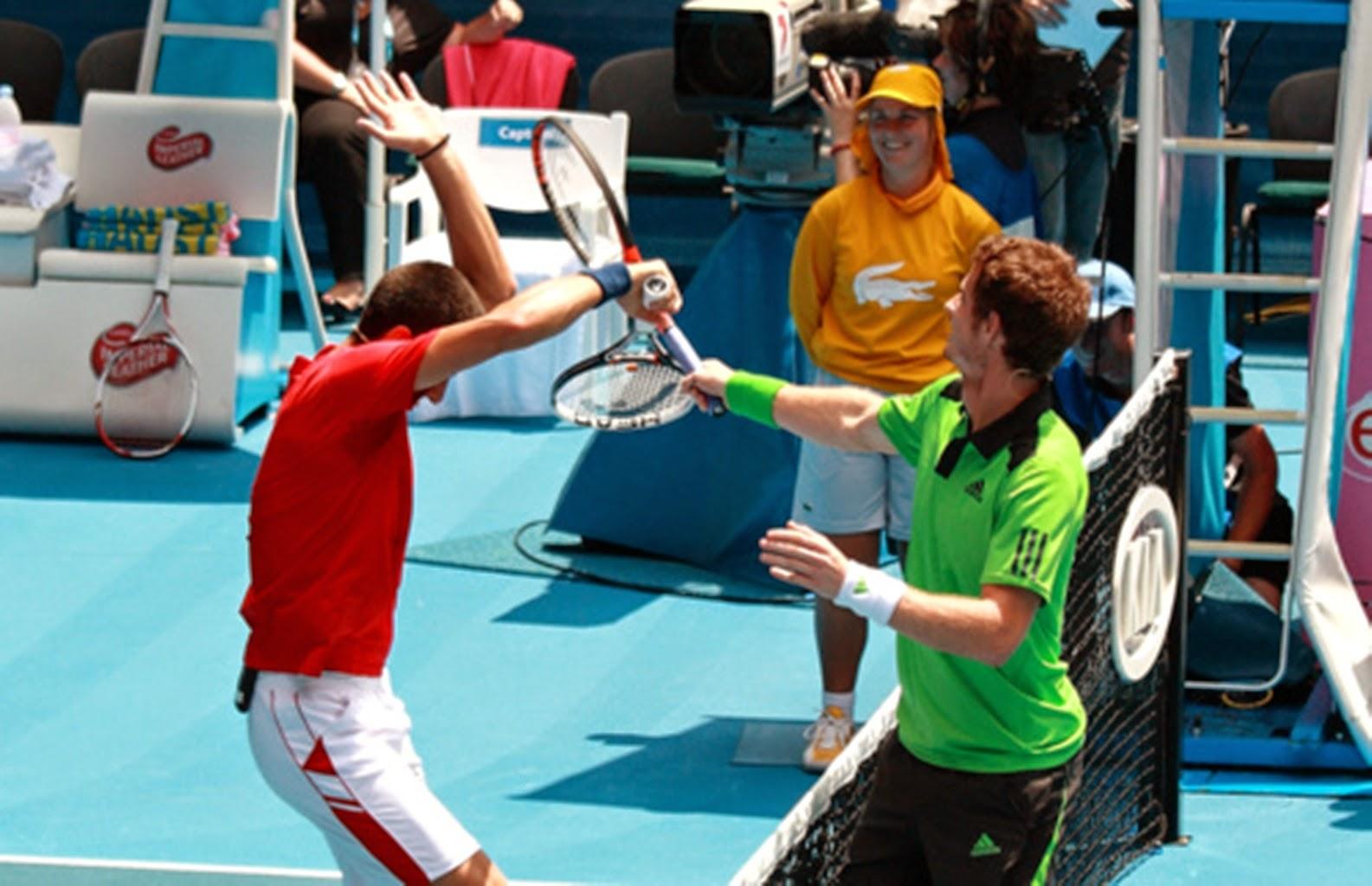 смијешна слика тенис битка новак ђоковић и енди муриј