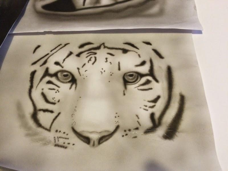 peinture aerographie airbrush regard tigre bysoairdisign