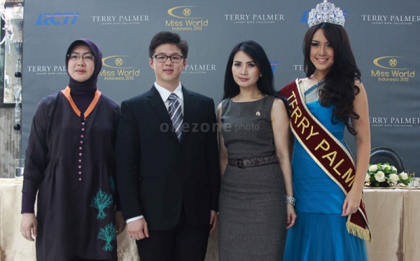 Slempang Miss World 2013 Terry Palmer