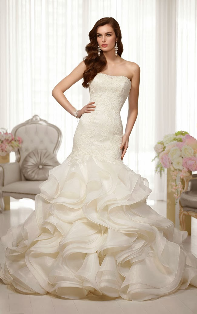 Strapless Trumpet Lace Wedding Dress