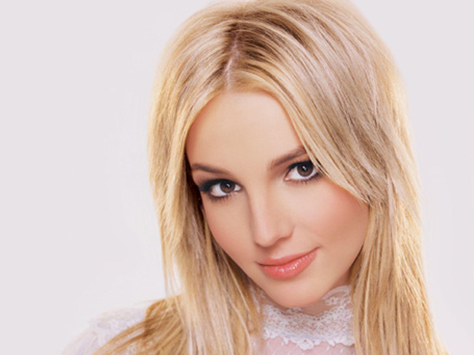 Britney Spears - Everytime [Lyrics]