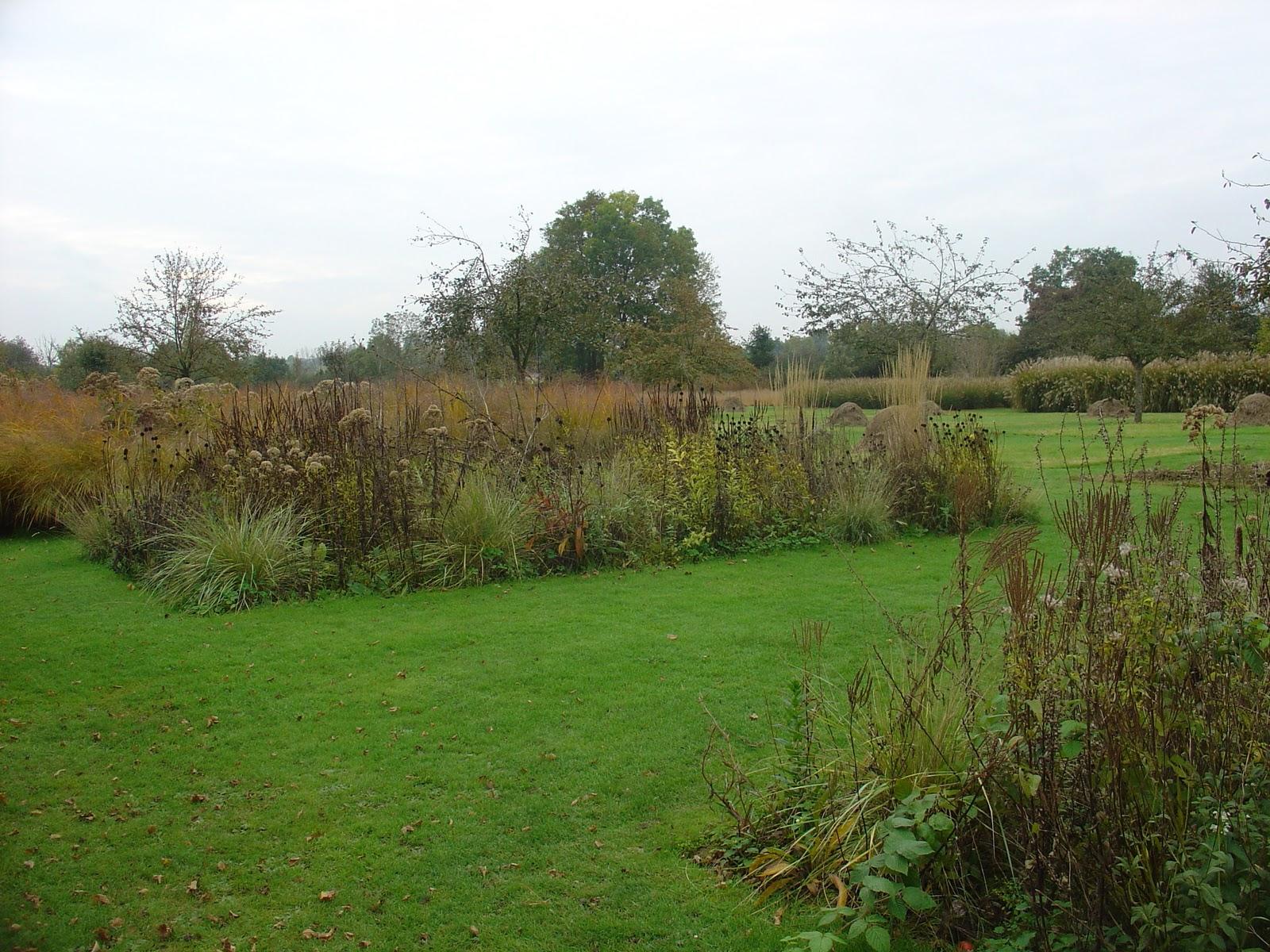 On verra au jardin visite au jardin plume for Portail entree jardin