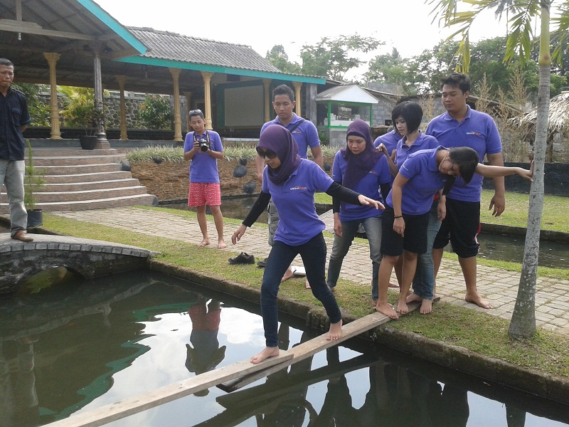 team building outbound di Jogja