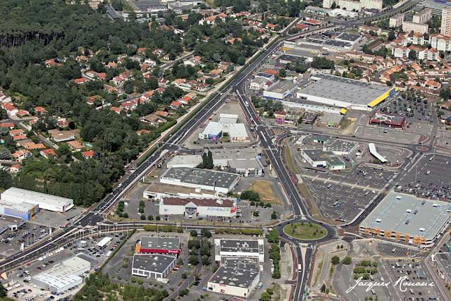 Nouvel aménagement routier traversant la zone commerciale Mérignac Soleil