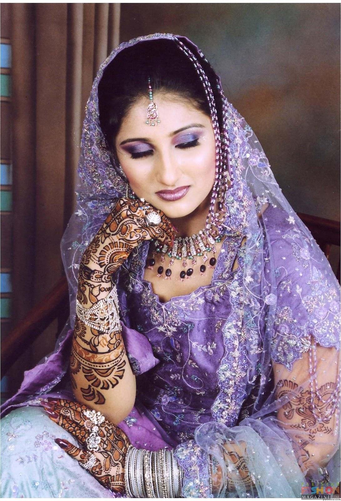 Fashion world latest fashion pakistani brides traditional for Pakistani wedding traditions